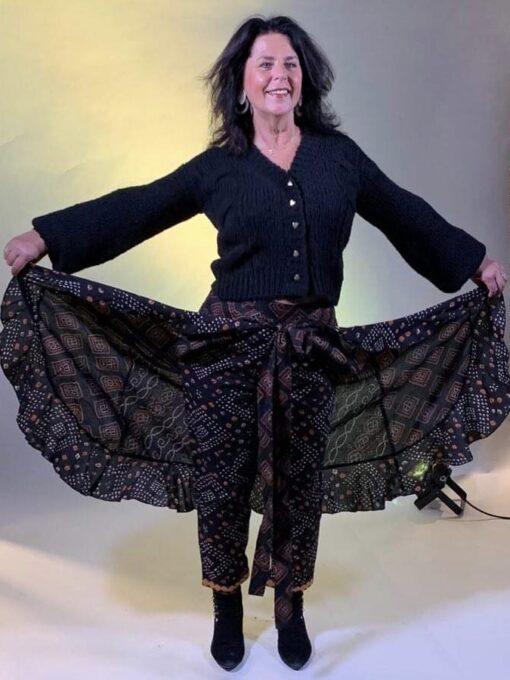 Isla Ibiza Bonita Short Chunky Knitted Cardigan – Black