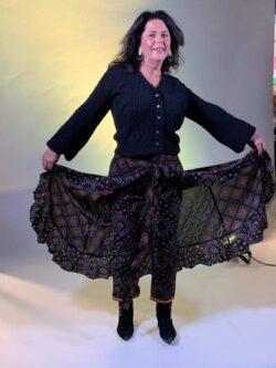 Isla Ibiza Bonita, Skirt with Pants Mixed Aztek Print, Black, Schiedamsche Vrouwen